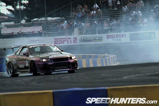 Video>>car Tour #2: Signal Auto R34 SkylineGtr