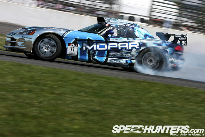Car Feature>> Samuel Hubinette's Mopar Viper Srt10