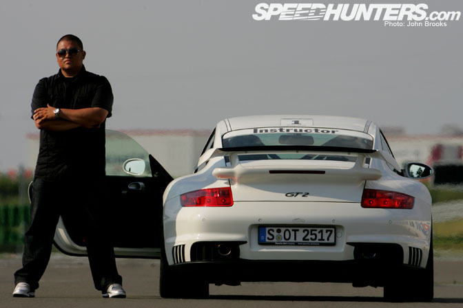 New Cars>> Enjoying Germany In A Porsche 911 Gt2