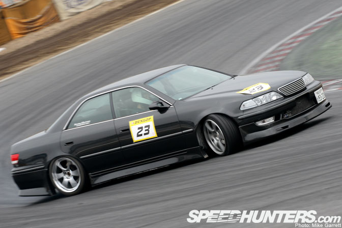 Another Privateer JZX100 Mark II Drifting At Tsukuba. So Simple And So  Clean.