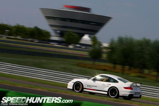 Driving Impression>> 997 Porsche 911Gt2