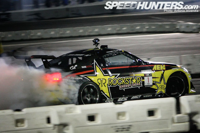 Gallery>> Night Time Formula D Action