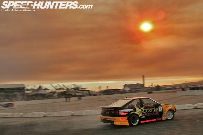 Gallery>> Firesmoke And Tiresmoke