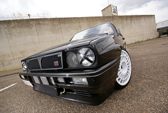 Car Feature>> Delta Integrale 16v