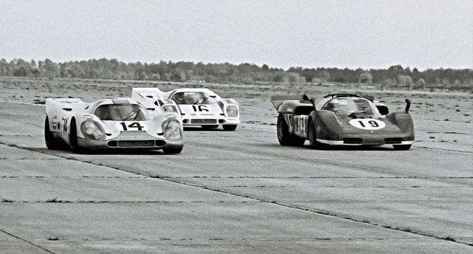 Retrospective>> Red Vs Blue: Sebring1970