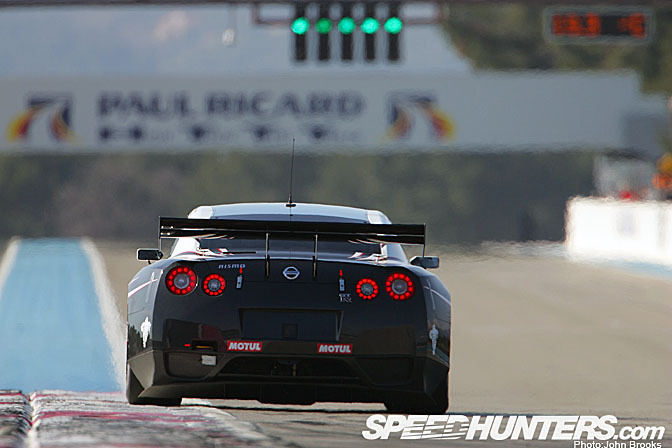 Gallery>> The Titan Fia Gt1 R35