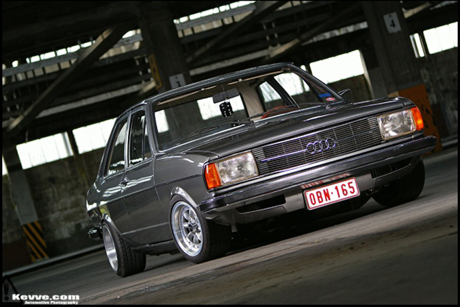 "Car Feature>>""german Showa"" Audi 80"
