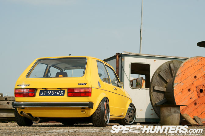 Car Feature>> Yellow 'submarine'