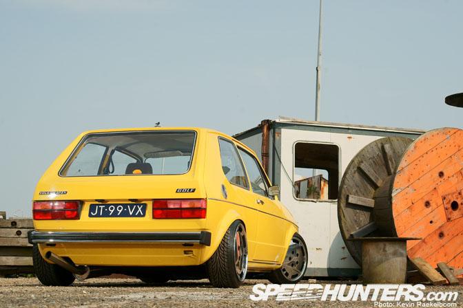 Car Feature>> Yellow'submarine'