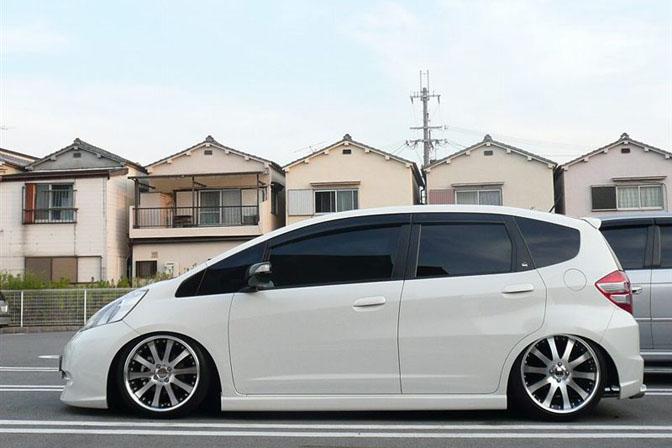 Car Spotlight>>luxFit