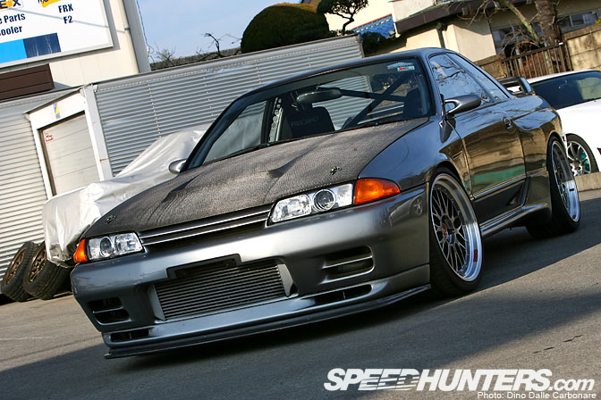 Car Feature>> Garage Saurus R32Gt-r