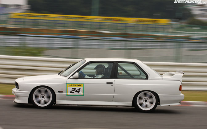 Desktops>>e30 M3 At Speed