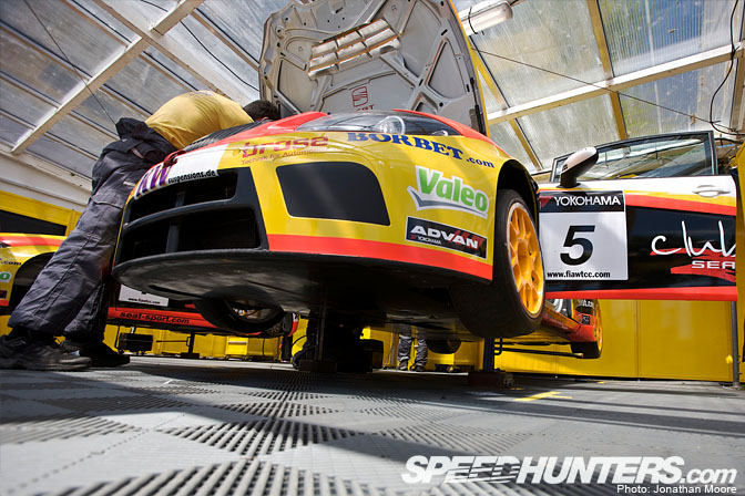 Photos of the year 2009 jonathan moore part 2 speedhunters for Garage seat pau