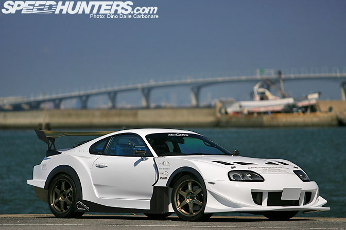 Car Feature>> Curve Abflug Supra