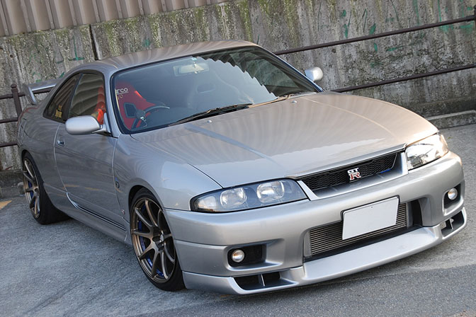 Gallery>> Global Auto R33s