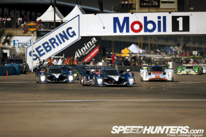 Gallery>> The Sun Shines High & Bright At Sebring