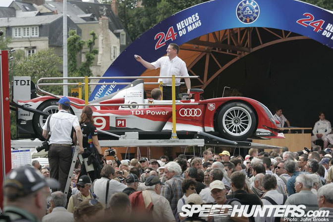 event le mans 2010 scrutineering speedhunters. Black Bedroom Furniture Sets. Home Design Ideas