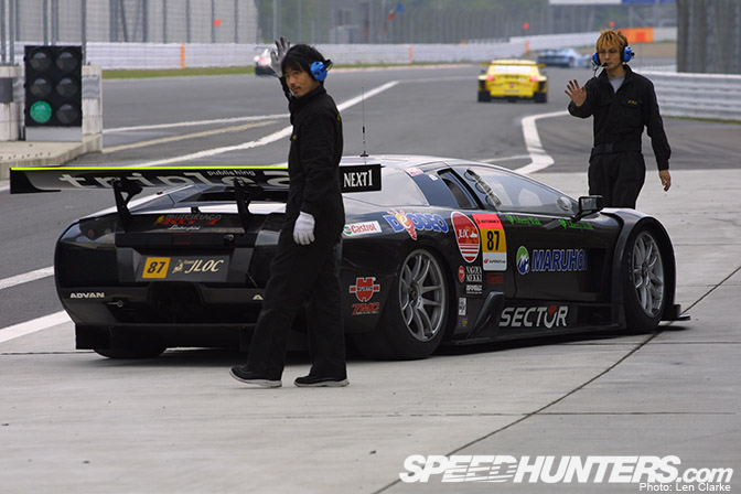 Random Snap>> East Meets West In Super Gt