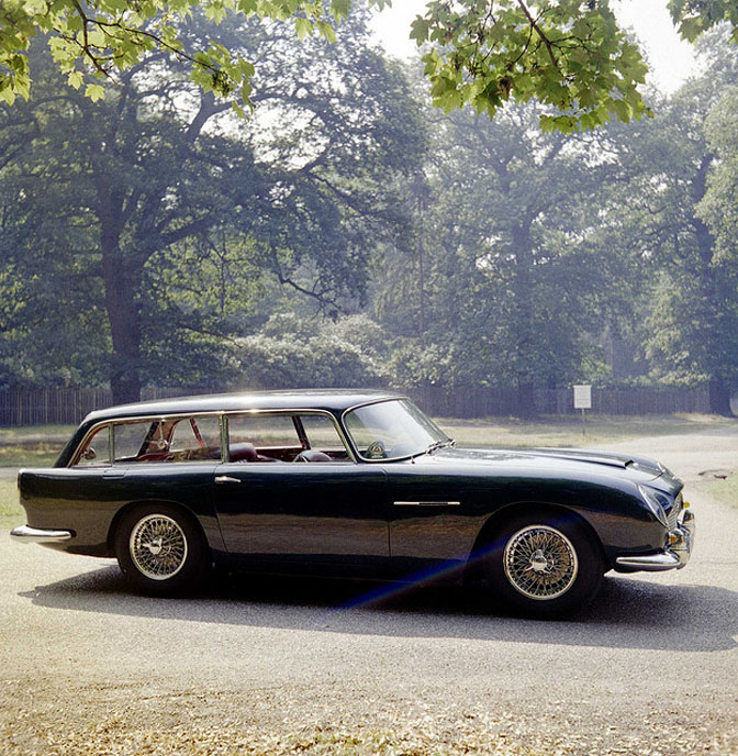 Random Snap>> Aston Martin Db5 ShootingBrake