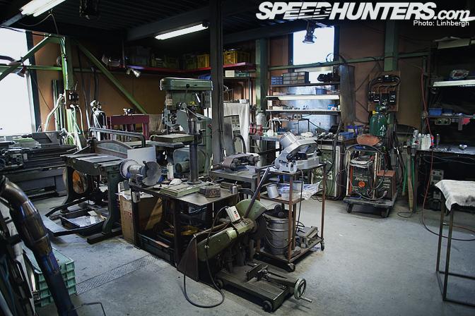 Car builder a top secret visit speedhunters for Garage auto fab ennery