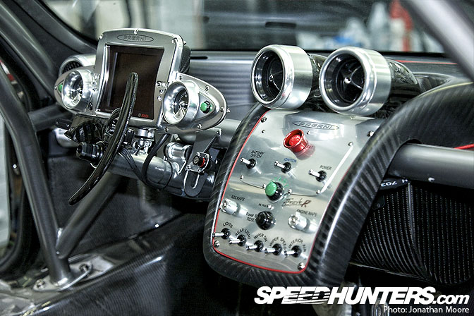 Behind The Scenes>> Pagani Huayra embly - Speedhunters