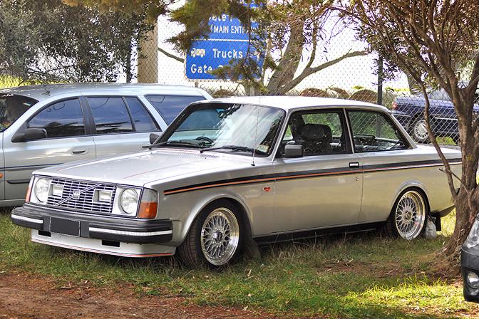 Random Snap>> Volvo 240 Coupe - Sdhunters