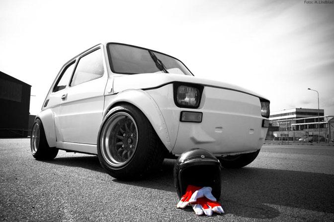 Car Spotlight>>r1-powered Fiat126