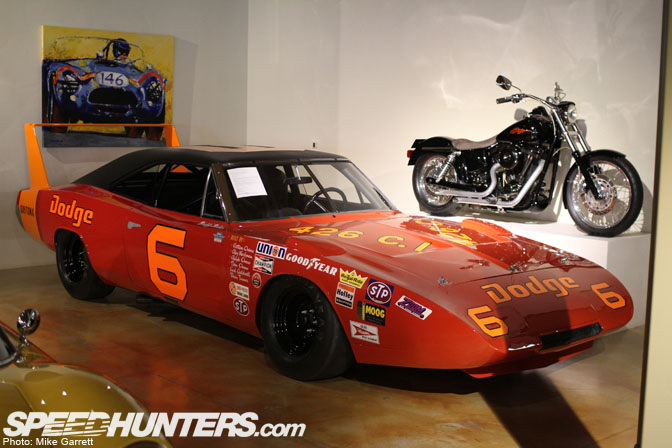 Car Spotlight>>owens/baker '69 Dodge Charger Daytona