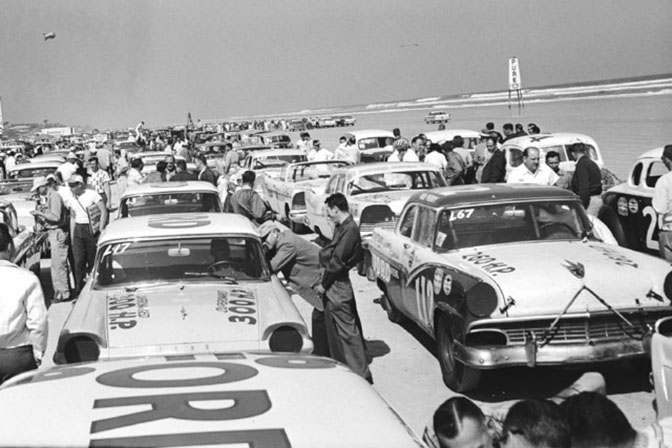 Retrospective>>racing On The Sands Of Daytona