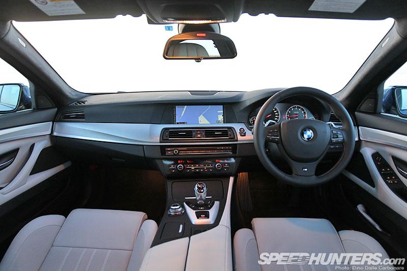 BMW M5 F10 interior