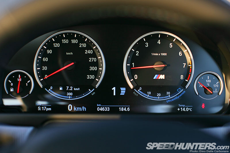 BMW M5 F10 dashboard