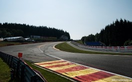 Eau Rouge 1920x1200px photo by Sean Klingelhoefer