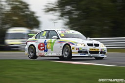 BTCC_Brands_Hatch_2012-DT007