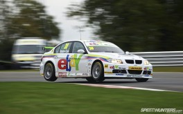 1920x1200 BTCC jumping WSR BMWPhoto by Jonathan Moore