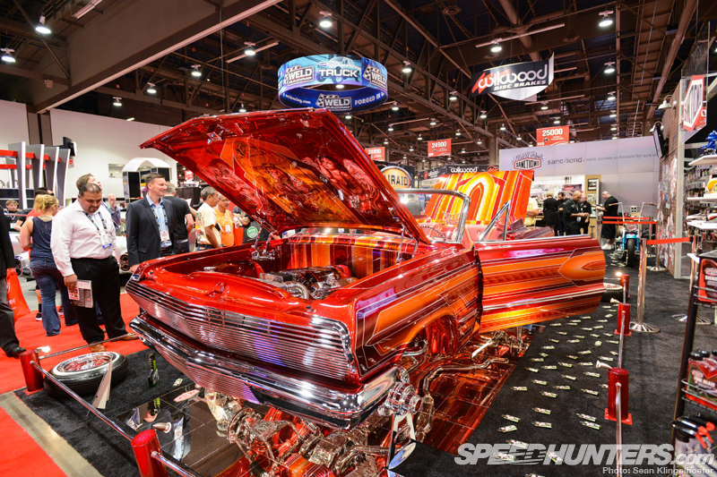 Layin' Low At The Sema Show, El Rey