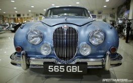 1920x1200 Jaguar MkIIPhoto by Jonathan Moore