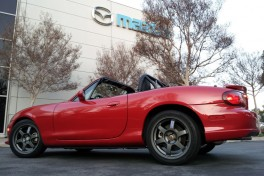 Roadster-Feature-This-03