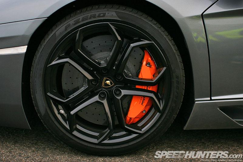 Lamborghini Aventador Front 19 inch rim