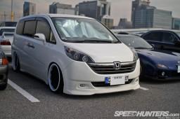 Tokyo-Auto-Salon-2013-Parking-Lot-09