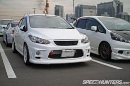 Tokyo-Auto-Salon-2013-Parking-Lot-31