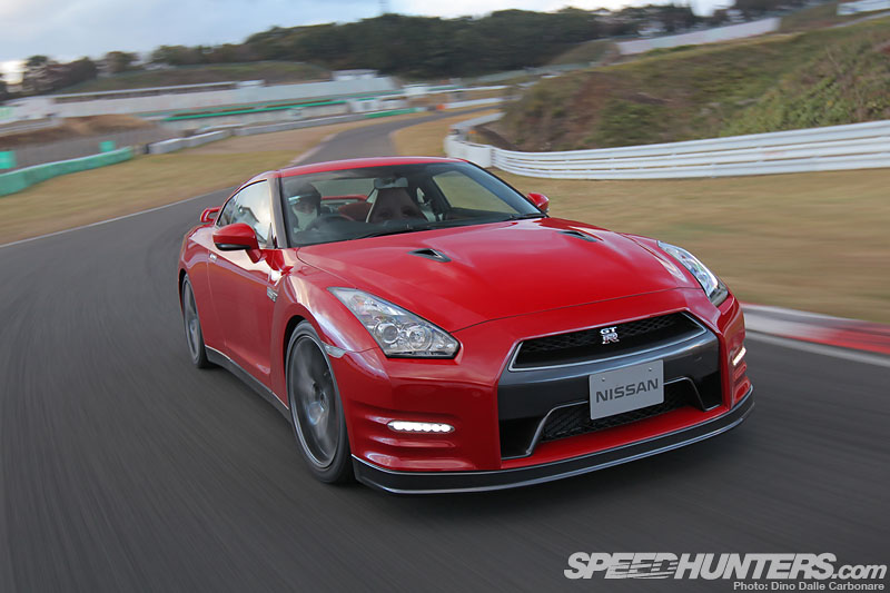 Relentless Evolution: 2013 Nissan Gt-r