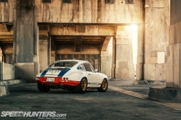 Magnus-Walker-911-STR-27