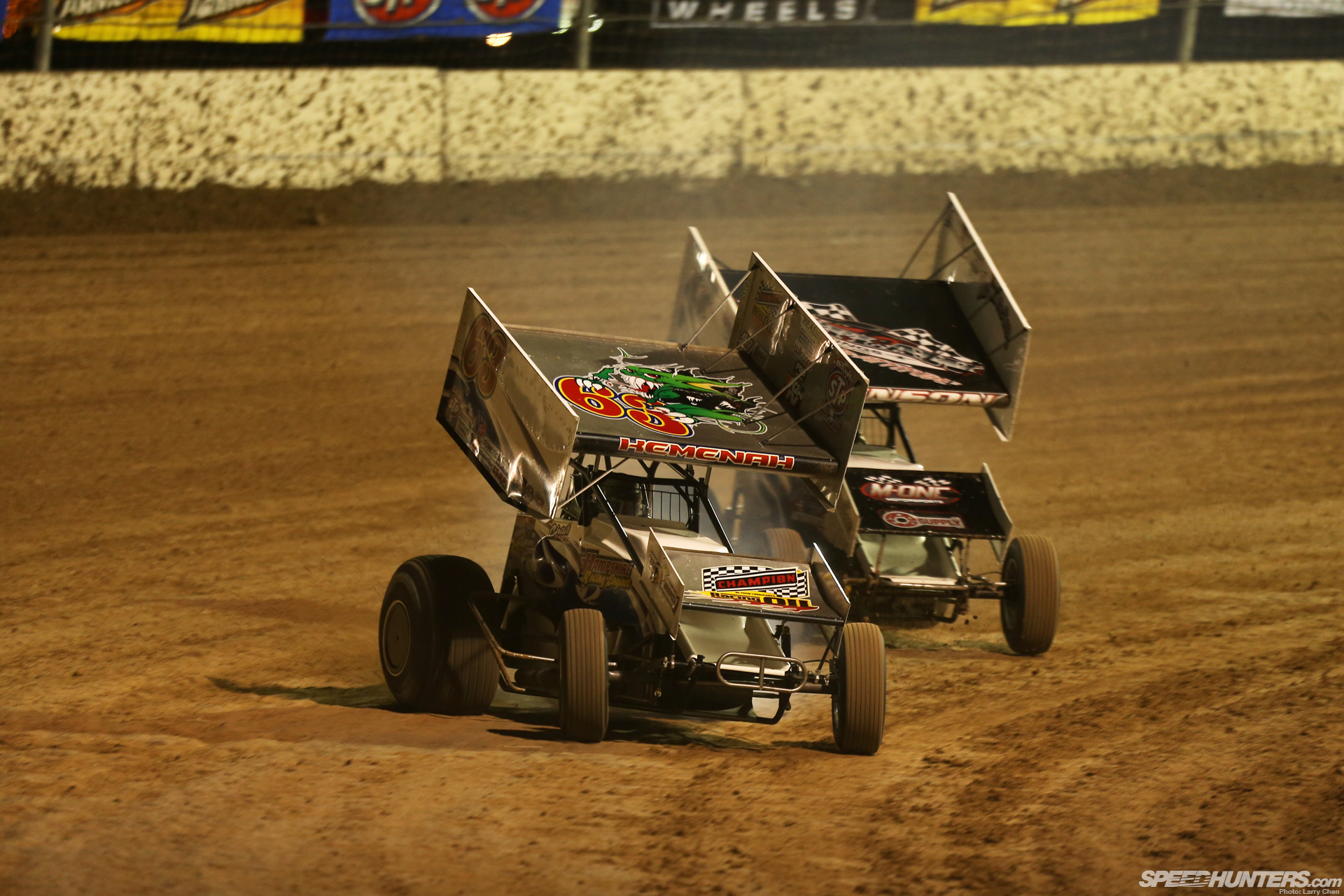 world of outlaws the art of dirt oval racing speedhunters. Black Bedroom Furniture Sets. Home Design Ideas