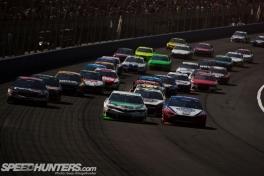 NASCAR-Fontana-01
