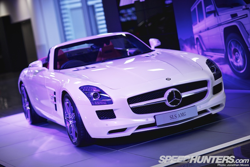Mercedes-benz World: Past, Present AndFuture