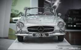 Mercedes-Benz_World-011