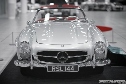 Mercedes-Benz_World-020
