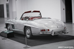 Mercedes-Benz_World-022