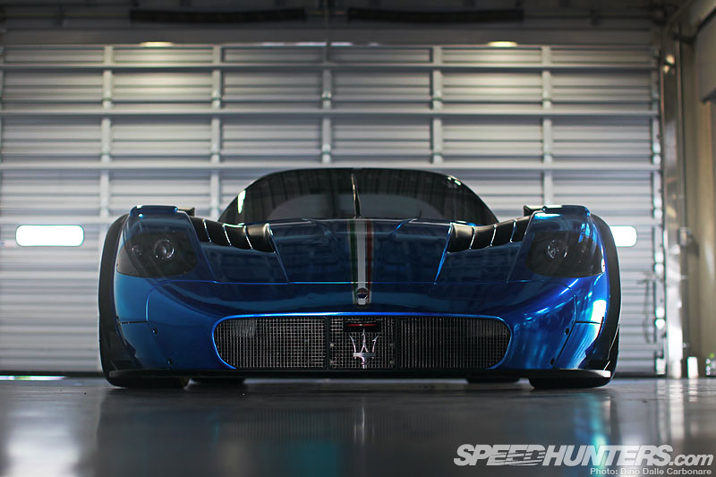 Blue Thunder: The Maserati Mc12 Corsa