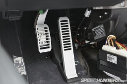 McLaren_12C-MPC-045